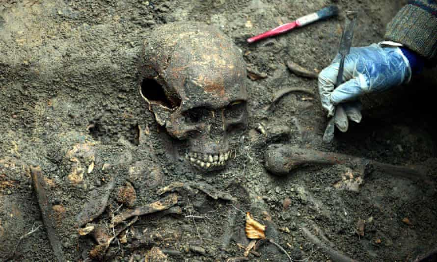 Skeletons found next to Durham cathedral