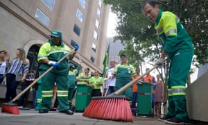 Mayor Dória cleans the streets of São Paulo as part of the Cidade Linda (Beautiful City) project.