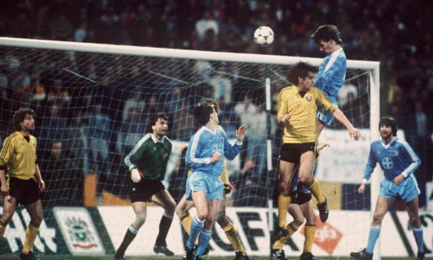 Bayer Uerdingen (in light blue) on their way to a wild comeback win against Dynamo Dresden in 1986.