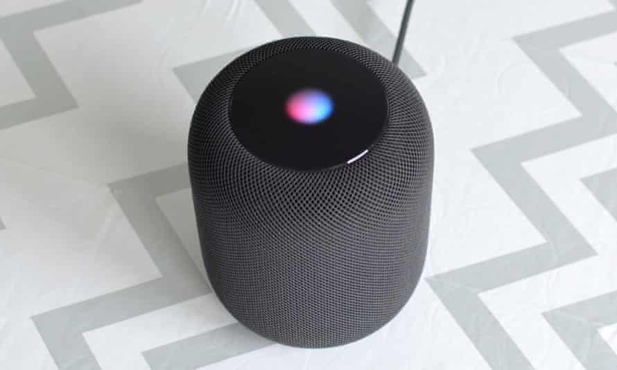 An Apple HomePod