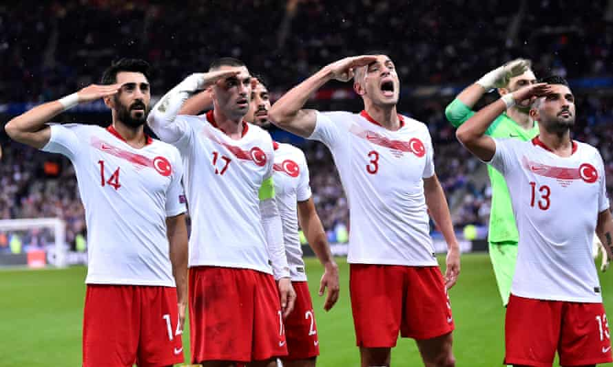Mahmut Tekdemir, Burak Yilmaz, Merih Demiral and Umut Meras were among the Turkish players to salute the fans after their goal against France.