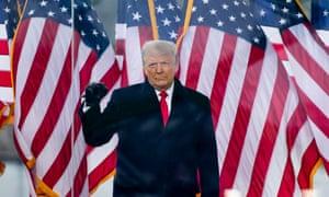 Donald Trump la un miting de la Washington înainte ca o gloată pro-Trump să asalteze Capitolul.