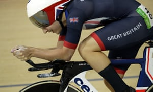 Laura Trott competes in the women's omnium points race at the 2016 Olympic games in Rio.