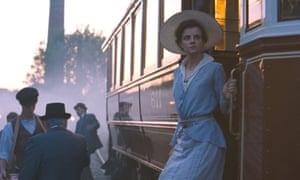 Juli Jakab as Írisz Leiter in Sunset.