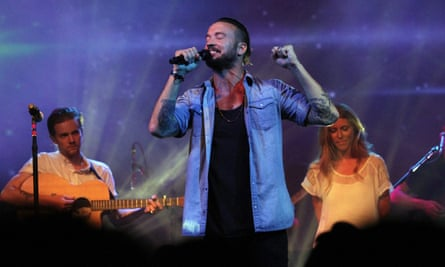 Carl Lentz leads a Hillsong church service in New York in 2013.