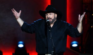 Garth Brooks … ready to play to 300 drive-ins across North America.