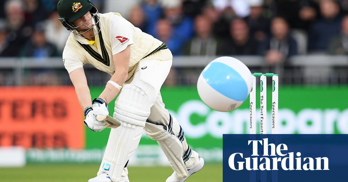 Ashes: Overton says wind hit bowlers' run-up rhythm and helped Smith weather storm