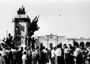 Reza Shah statue destroyed