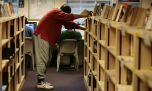 the library at HMP Thameside prison.