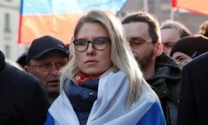 لیوبوف سوبول ، وکیل بنیاد ضد فساد الکسی ناوالنی ، در یک راهپیمایی در فوریه سال 2020 شرکت می کند.