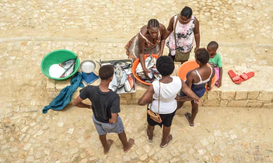 Small catches at the fish market in Vila do Maio.
