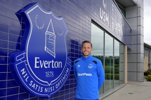 Gylfi Sigurdsson will undergo a medical on Wednesday before completing his move to Everton for £45m.