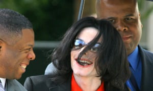 Michael Jackson with bodyguards in 2005