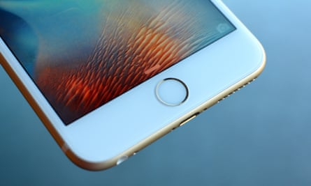 iPhone 6S Plus review touch id