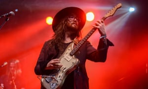 Sean Lennon playing as part of The Ghost of a Sabre Tooth Tiger