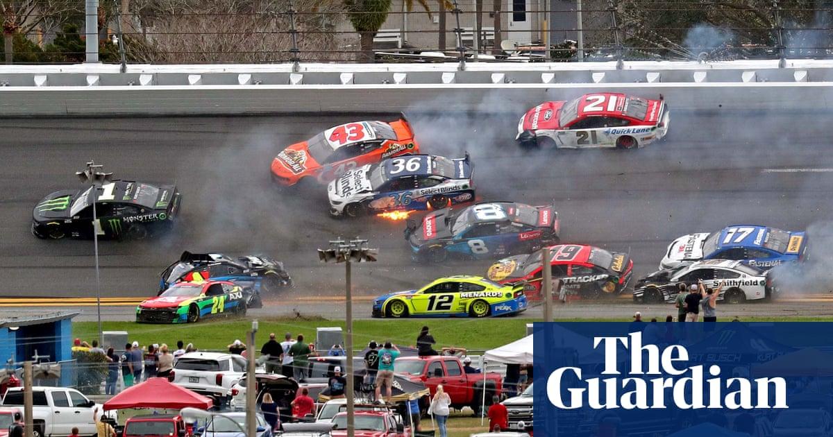 Lightning halts Nascar's Daytona 500 after huge 16-car pile-up – The Guardian