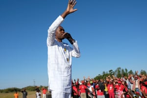 MDC's Nelson Chamisa on the campaign trail