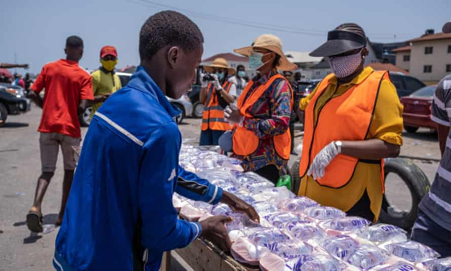 Feed The Streets Lagos hands out food in Oniru