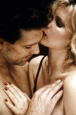 Mickey Rourke and Kim Basinger in 9½ Weeks (1986).