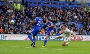 Sam Vokes scores for Burnley.