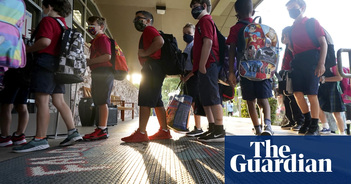 Texas school district requires masks after finding dress code loophole to bypass ban