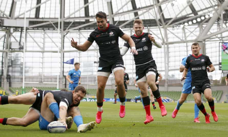 Alex Goode scores Saracens' only try against Leinster as teammates Sean Maitland, Elliot Daly and Richard Wigglesworth celebrate