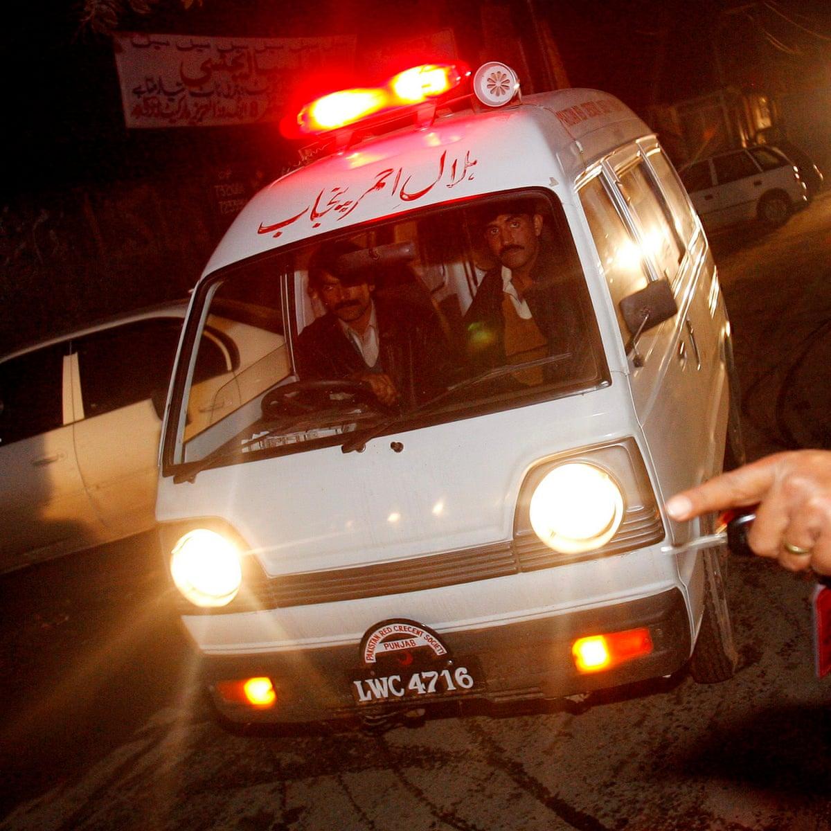 Patient dies after guard performs surgery at Pakistani hospital | Pakistan  | The Guardian