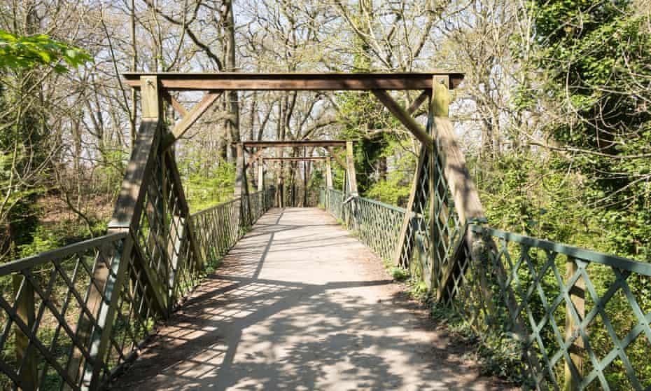 Cox's Walk footbridge.