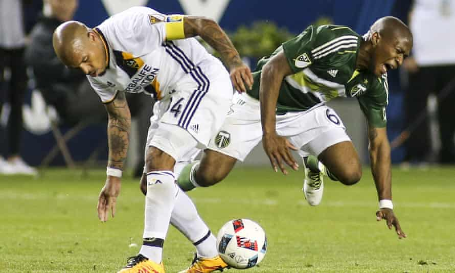 Nigel de Jong put Darlington Nagbe out of the game – and he should have been given a straight red.