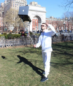 Photo: Macbookselfiestick.com