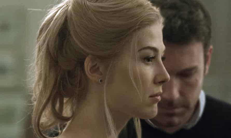 Rosamund Pike and Ben Affleck as Amy and Nick in the film version of Gone Girl (2014).