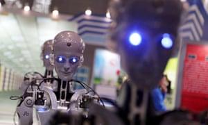 Robots highlight industry fair in Shanghai