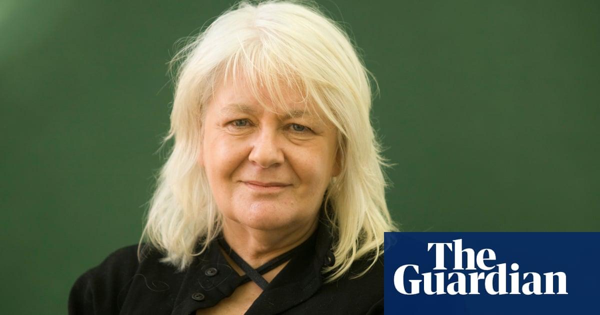 Isla Dewar obituary