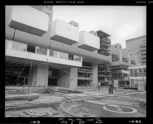 Two workmen survey the Lakeside facade (Nov 1979)