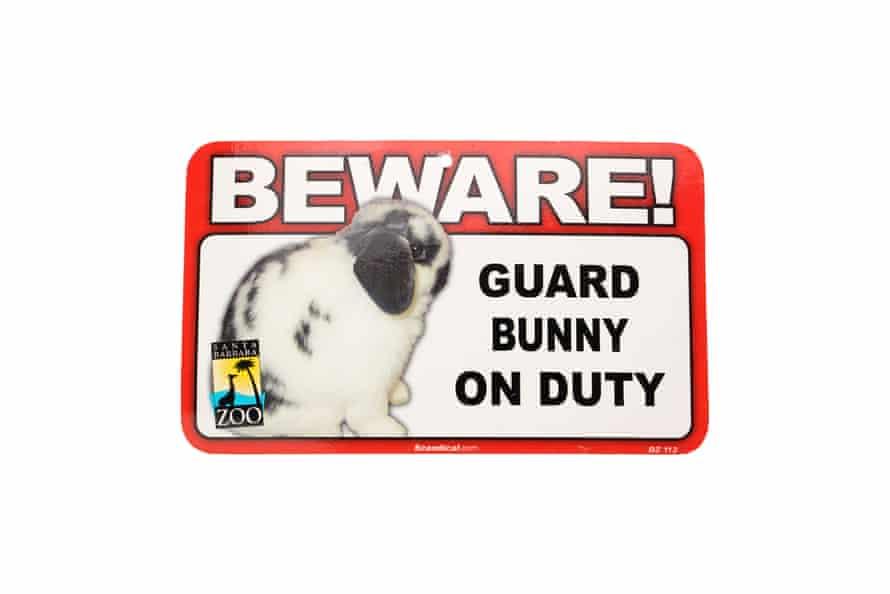 A bunny warning sign.