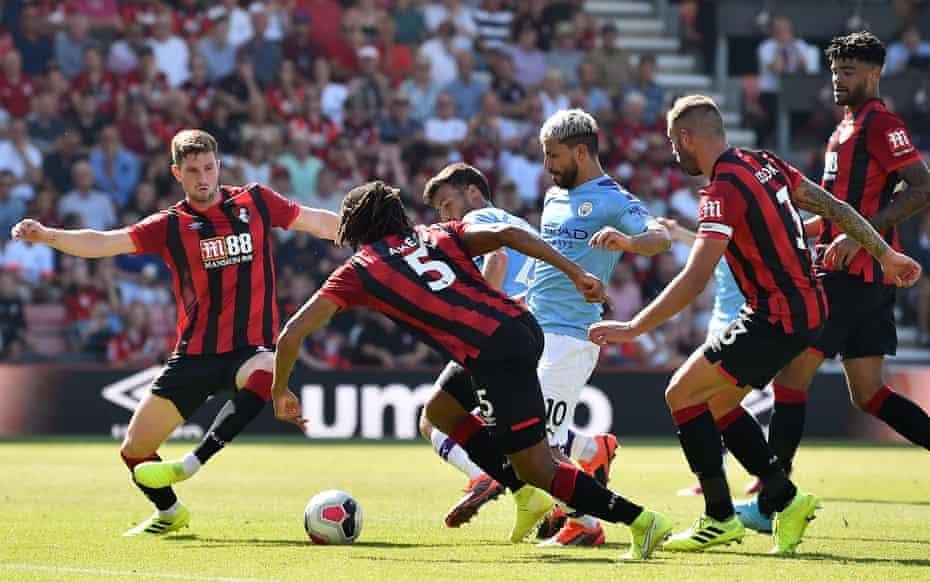 Sergio Agüero scores his second goal in City's win.