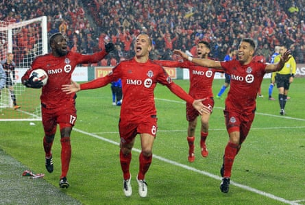 Benoit Cheyrou leads his team to victory.