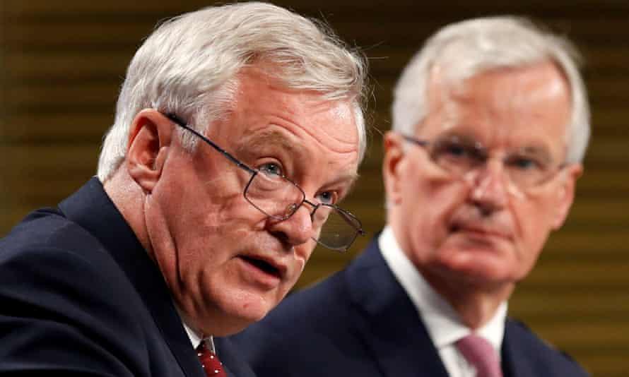 David Davis, left, and EU's chief Brexit negotiator, Michel Barnier.