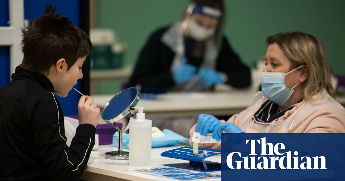 Give pupils Covid jab to prevent virus running through UK, expert says
