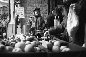 Young (Under 10) - Scarlett Blanch - Apples