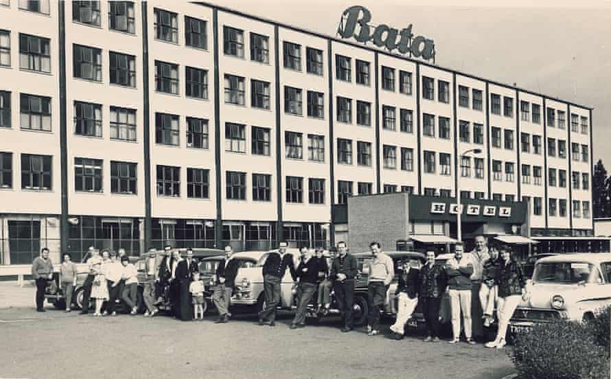 A car rally outside the Bata hotel.
