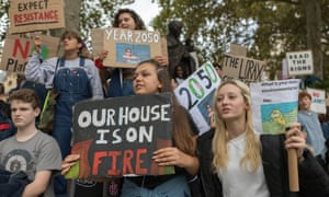 Students, school children and adults protest for the climate in London, September 2019.
