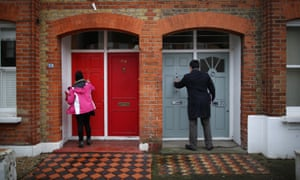 Stephen Twigg and Labour party members canvass for votes in south London, January 2015