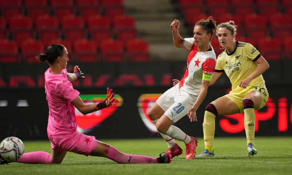 Vivianne Miedema fires in her second goal for Arsenal against Slavia Prague.