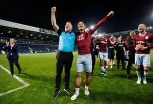 Aston Villa manager Dean Smith celebrates with Jack Grealish.