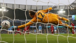 Bernardo Silva's effort flies past Fulham's Marek Rodak