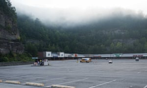 The only time the plaza is empty is very early in the morning, when the fog is still hanging on the hills that surround it