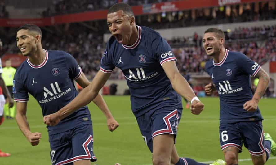 Kylian Mbappe ha segnato due gol per il Paris Saint-Germain.