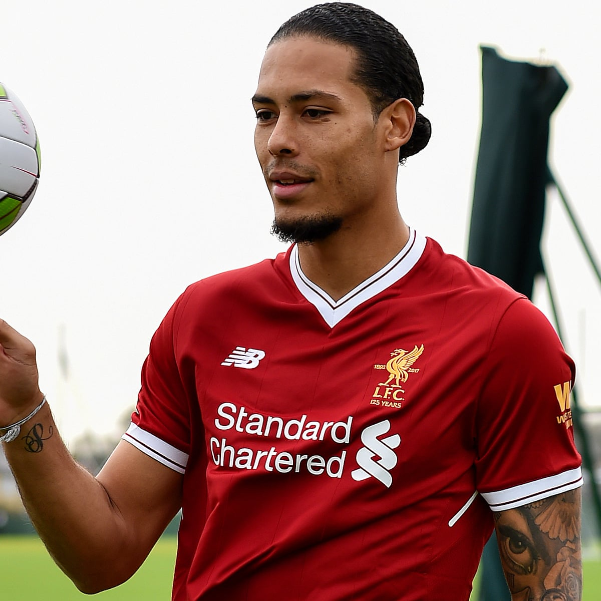 Virgil Van Dijk Completes 75m Liverpool Move I Can T Do Anything About The Price Liverpool The Guardian