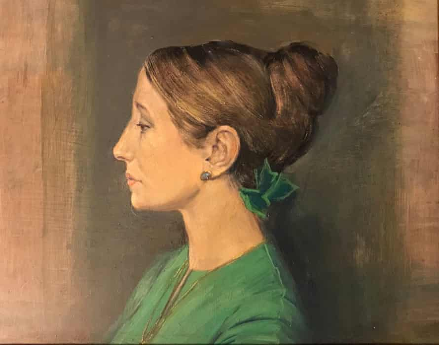 Painting of Alison Furlong in profile looking left, with her hair in a bun, a green bow in her hair and wearing a green top